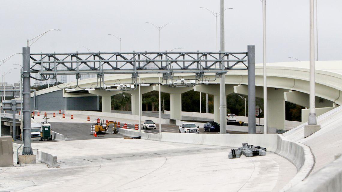 THEA Installs Last Concrete Segment on the Selmon Extension