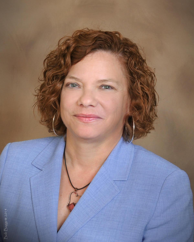 TEAMFL Recognizes Sue Chrzan, Tampa Hillsborough Expressway Authority (THEA) Director of Public Affairs, with Bob Hartnett Leadership Award